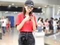 乔欣机场街拍美图,清爽的运动风酷女孩