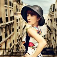 金巧巧印花短裙写真 大气温婉诠释知性优雅美