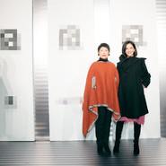 谢娜携好友现身自家品牌秀场 助力青年设计师传递积极能量