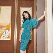 《我不是药神》热映 女主角谭卓路演展现好衣品