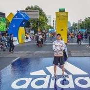 杨�v宁高温战上海半马 二度拿下专业级赛事