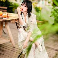 王子文登时尚杂志封面 清新灵动令人如沐春风