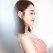张佳宁出席时尚活动 粉色仙女裙优雅大气又甜美可人