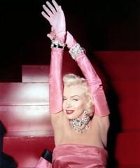 """盘点""""钻石之王""""海瑞·温斯顿历史上的传奇女星"""