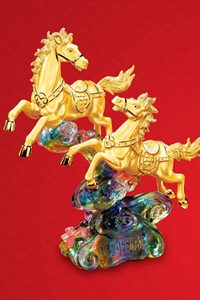 六福珠宝2014新春呈献「金马报喜」系列