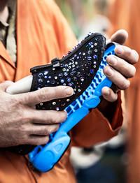 图揭Dior Fusion Sneaker制作工艺 奢华背后的秘密