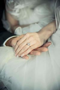 新娘珠宝盒:林丹谢杏芳情有独钟蒂芙尼六爪钻戒