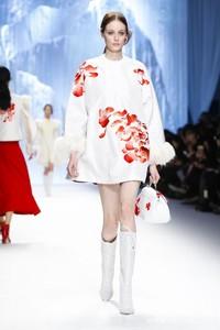 Shiatzy Chen 2015秋冬巴黎时装周秀场
