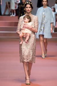 Dolce & Gabbana 2015秋冬米兰时装周秀场