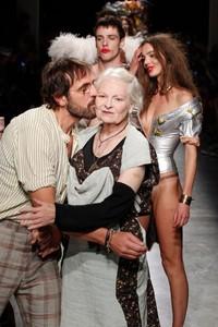 Vivienne Westwood 2017春夏高级时装秀