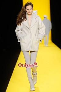 Lacoste2010秋冬女装系列发布