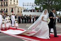 GIORGIO ARMANI为摩纳哥王妃打造大婚礼裙