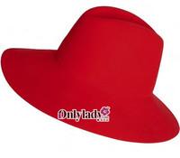 MAX&Co.与Borsalino合作推出精品帽子系列
