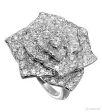 2012伯爵圣诞系列珠宝