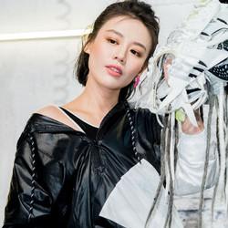 马思纯亮相阿迪达斯秋冬广告片首映