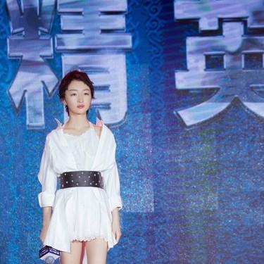 周冬雨《幕后之王》北京发布会  爆料自创火锅减肥法