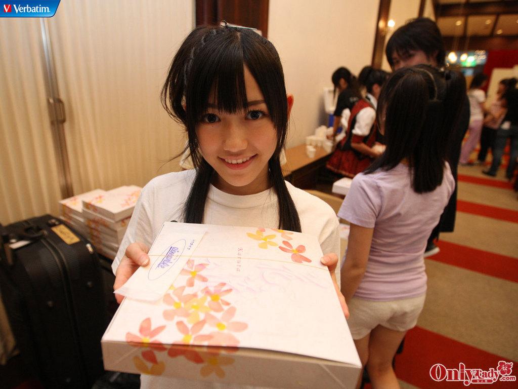 日本/日本少女天团AKB48劲爆整容前照片45/61